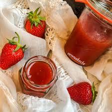 erdbeer rhabarber konfitüre mit gin oder gin mit erdbeeren