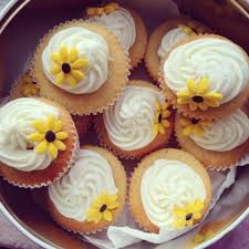 Girl Cute Fashion Food Upload Ice Luxury Cupcakes Cake Girly Yummy Yum Classy Foodporn Porn My Blog Glam Hungry Icing Rosy