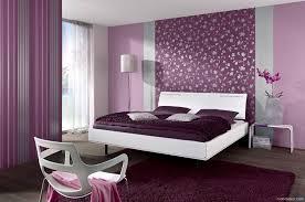 lila tapete schlafzimmer ideen moderne schlafzimmer tapete