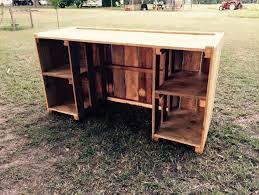 Diy Wood Computer Desk by Diy Pallet Desk Tutorial