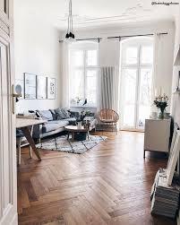 altbau wohnzimmer teppich idee einrichten interior