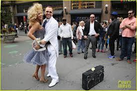 Siriusxm Canada Halloween Channel by Jenny Mccarthy U0026 Donnie Wahlberg Go Retro For Prom Radio Launch
