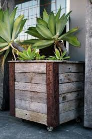 Awesome Rustic Pallet Planter Box Diy