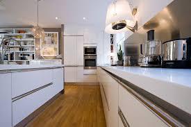 cuisine blanche ouverte sur salon cuisine blanche ouverte sur salon 4 une cuisine ouverte pour