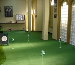 28 Outdoor & Indoor Putting Greens & Mats Designs & Ideas