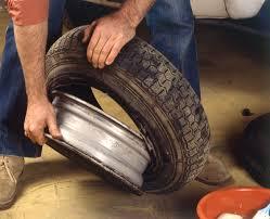 chambre a aire voiture démonter le pneu usagé remplacer un pneu avec chambre à air