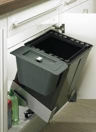poubelle cuisine de porte quelques astuces et accessoires pour optimiser et agencer votre