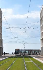 file tramway prenant le virage de la porte océane le havre 2014