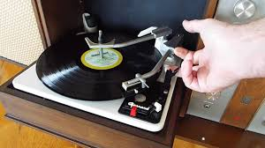 Magnavox Record Player Cabinet Astro Sonic by Ge Stereo Garrard Record Changer Am Fm Console Youtube