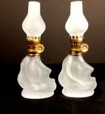Miniature Oil Lamps Ebay by 3 Finger Genie Miniature Oil Lamps Aladdin Porcelain Glass Gold