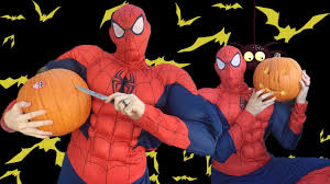 Superhero Pumpkin Carving Kit by Real Live Spiderman Carving A Pumpkin Halloween 2017 Youtube