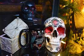 Halloween Horror Nights Parking by Exciting New Halloween Horror Nights 26 Merchandise Now Available