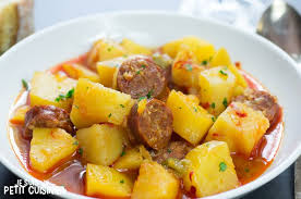 cuisine espagne recette de ragoût de pommes de terre au chorizo patatas a la