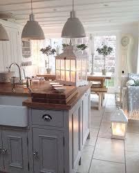 schranktüren grau oder grün streichen küchen ideen