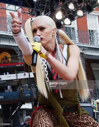 Carson Daly Halloween Gwen Stefani by Mtv Mardi Gras 2002 Photos And Images Getty Images