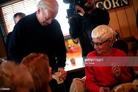 Machine Shed Restaurant Urbandale Iowa by Joe Biden And Family Spend Thanksgiving In Iowa Photos And Images