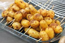 cuisiner des pommes de terre nouvelles brochettes de pommes de terre nouvelles marciatack fr
