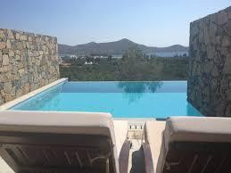chambre d hotel avec piscine privative suite junior avec piscine semi privée photo de elounda palm hotel