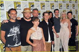 Cast Of Halloweentown by Ben Mckenzie U0026 U0027gotham U0027 Cast Debut Season 4 Trailer At Comic Con