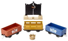 Trackmaster Tidmouth Sheds Toys R Us by Royal Castle Gates Delivery Thomas And Friends Trackmaster Wiki