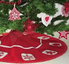 7 Ways To Dog Proof Your Holiday Decorations