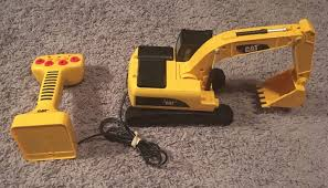 EXCAVATOR REMOTE CONTROL CAT Caterpillar Massive Machine RC Digger ... Caterpillar Toys 18 Big Rev Up Dump Truck Games Vehicles Mega Bloks Cat Rideon With Excavator Metal Machines 797f Diecast Vehicle Cat39521 Cstruction Mini 5 Pack Walmartcom Cat Glow Machine Harry 543804116 Ebay Bruder Mercedesbenz Actors Low Loader With Takeapart Buddies In Yate Bristol Gumtree Toy Trucks Remote Control Crane And Co Product Detail Steam Roller And Tool Team Set Assortment Revup Multicolor Truck Products Masters 85130 730 Articulated