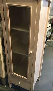 ikea massiv holz badezimmer schrank lasiert glastür
