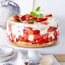 riesiges erdbeer trifle