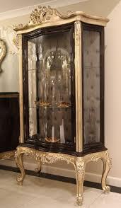 casa padrino luxus barock vitrine dunkelbraun beige gold 120 x 50 x h 205 cm massivholz vitrinenschrank wohnzimmerschrank edle barock möbel