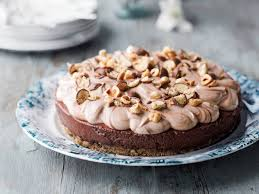 köstlicher schokoladen haselnuss kuchen