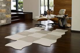 vinyl designbelag teppich kork oder parkett moderner
