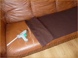 r parer un canap en cuir d chir réparer canapé cuir déchiré intelligemment les 25 meilleures idées