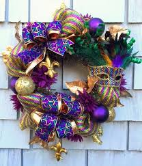 Mardi Gras Mask Door Decoration by 205 Best Mardi Gras Images On Pinterest Mardi Gras Wreath Mardi