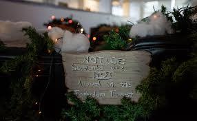 9 christmas decoration ideas for the office faithlife blog