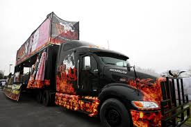 BA BBQ Turns 18-wheeler Into Food Truck With 10 Grills, Wood Smoker ...