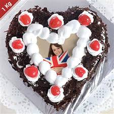 1 Kg Heart Shaped Black Forest