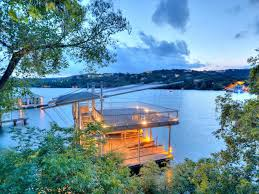 104 Water Front House Tour A Contemporary Lakefront Home In Austin Texas 2016 Hgtv
