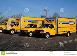 A Fleet Of Yellow Penske Rental Trucks Editorial Stock Image - Image ...