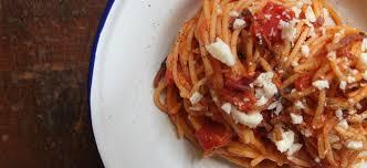 pates a l amatriciana les pâtes à l amatriciana la recette impossible à rater slate fr