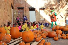 Oklahoma Pumpkin Patches by North Lamar U0027s Kindergarten Class Visits The Pumpkin Patch