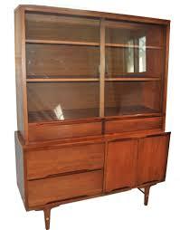 Mid Century Stanley Furniture Modern China Cabinet