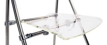 chaise en plexiglas chaise plexiglas pliante transparent julie lot de 4 miliboo