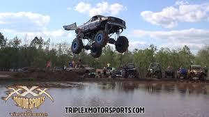 BADASS Monster Trucks Put On A Show At Louisiana Mudfest