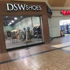 dsw designer shoe warehouse 16 photos 17 reviews shoe stores