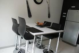table cuisine moderne design table de cuisine moderne table a manger blanc maison boncolac