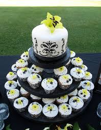 Black and White Damask Cupcakes