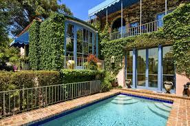 100 Hollywood Hills Houses Soccer Superstar Landon Donovan Sells Manhattan Beach Home In Two