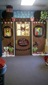 Kindergarten Christmas Door Decorating Ideas by 62 Best Door Contest Images On Pinterest Christmas Ideas