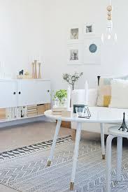 weiße möbel im wohnzimmer im bild kaufen 12309122