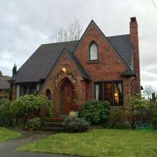 Brick House Styles Pictures by Best 25 Brick Houses Ideas On Brick Houses
